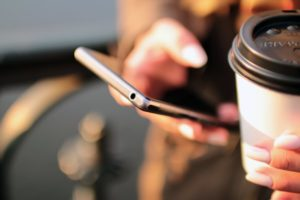 Cestovní pojištění od mBank v mobilu