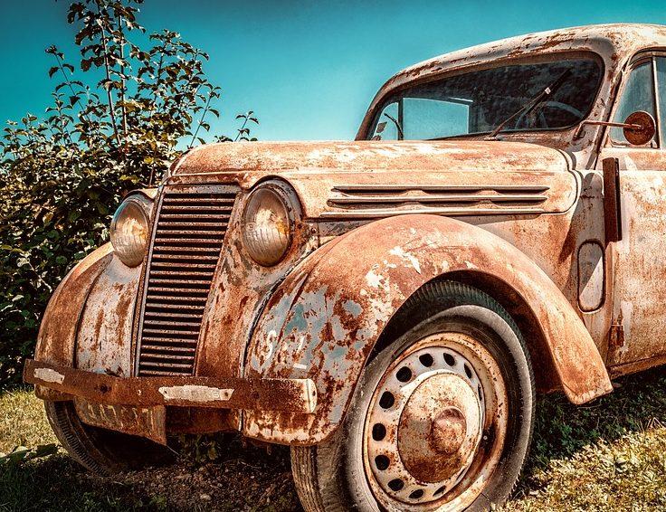 Jak na vyřazení auta z evidence – postup, poplatky